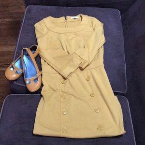 Classic yellow pencil dress!